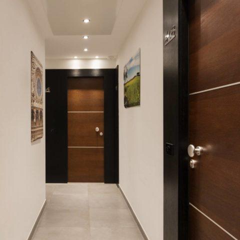 Dettagli Dependance Corridoio e Porta