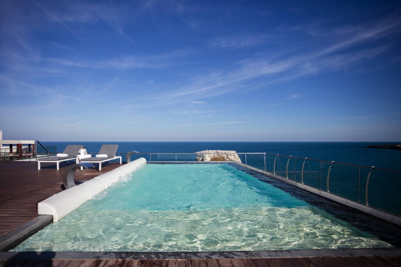 L 39 unico hotel con piscina nel salento posta al terzo piano panoramico - Hotel a pejo con piscina ...
